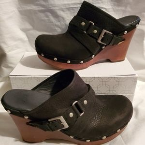 UGG Natalee Clog/Mule Heeled Leather 1001315  Sz8